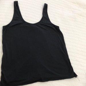 Acacia black basics tank M worn